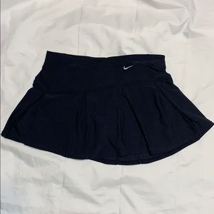 Nike women's Golf Tennis skirt size Medium (8-10)